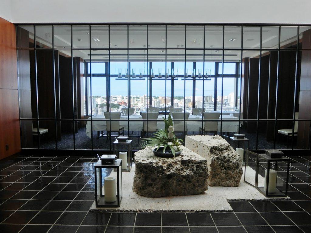 ハイアットリージェンシー那覇の18階エレベーターホール
