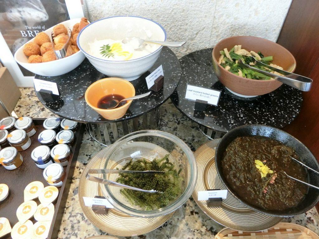 朝食の沖縄料理