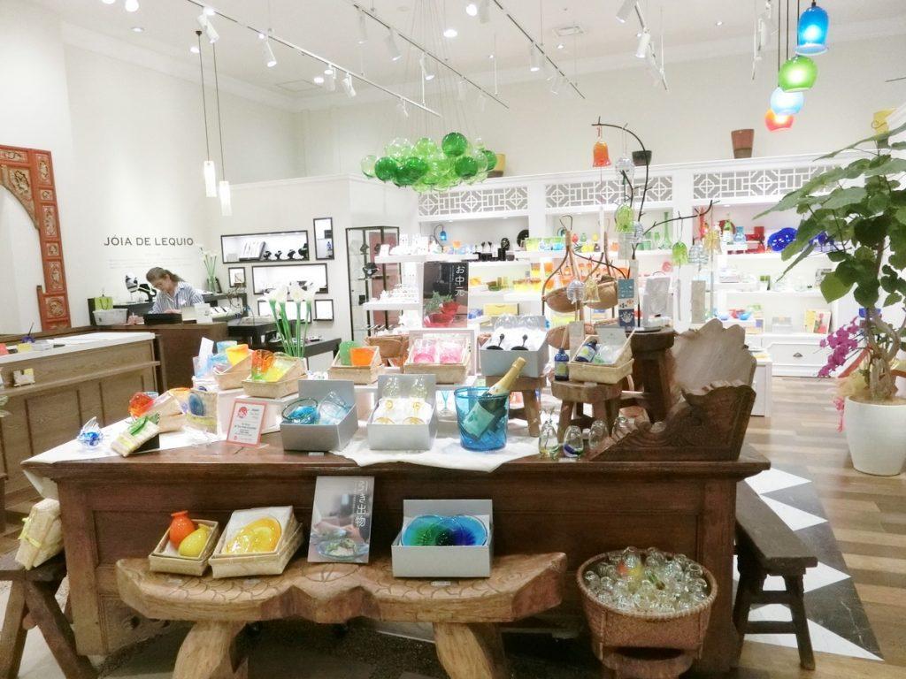 サンエーパルコシティの沖縄フロア雑貨店