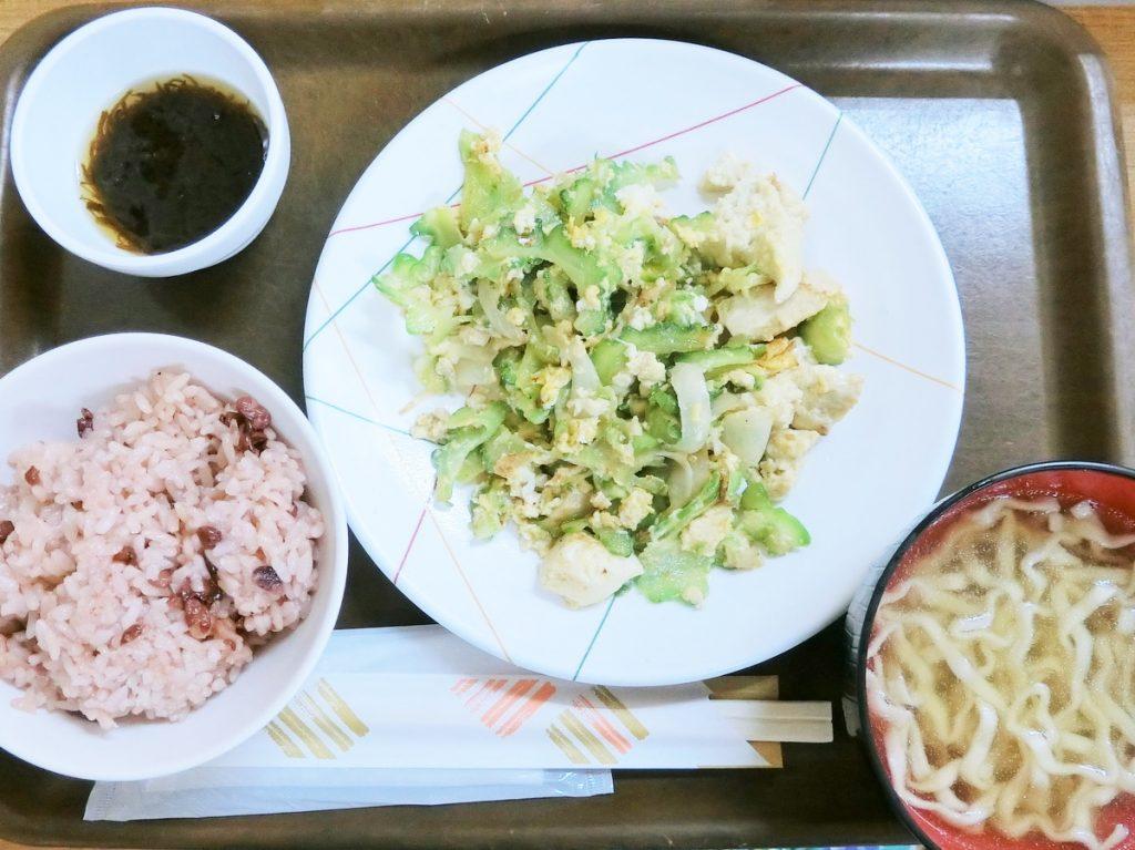 花笠食堂のゴーヤチャンプルー定食