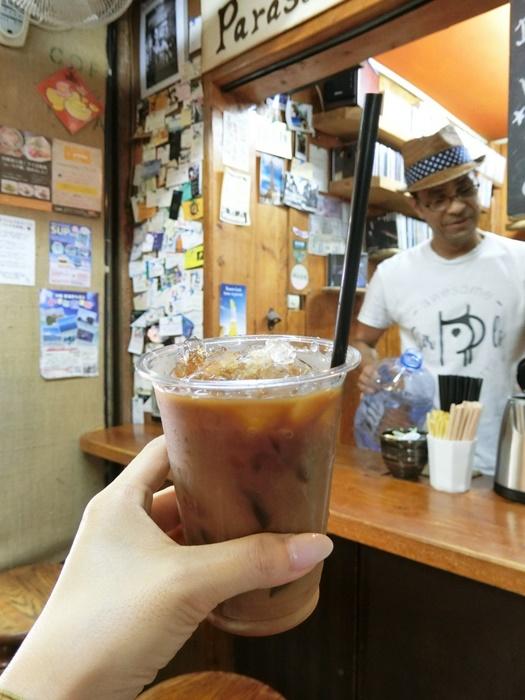 アイスカフェラテとオーナーさん